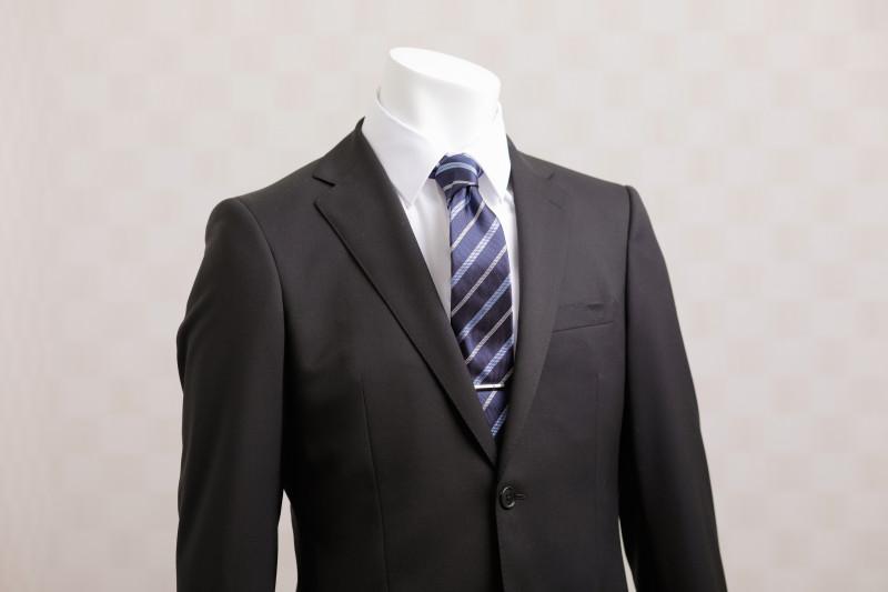 9290a94d64b75 色、襟、袖の長さは? 就活用のワイシャツ選びのポイント、着るときに気 ...